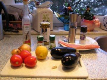 Putenschnitzel an Auberginenpüree und geschmorten Tomaten - Rezept