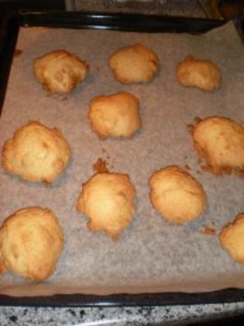Dessert: White chocolate almond cookies - Rezept - Bild Nr. 4