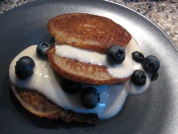 Glyx-Buchweizen-Blinis mit Joghurtcreme und Heidelbeeren - Rezept