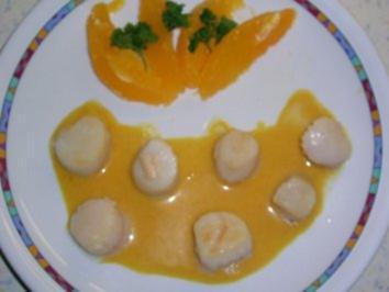Jakobsmuscheln in Orangen-Chili-Curry-Sahne - Rezept