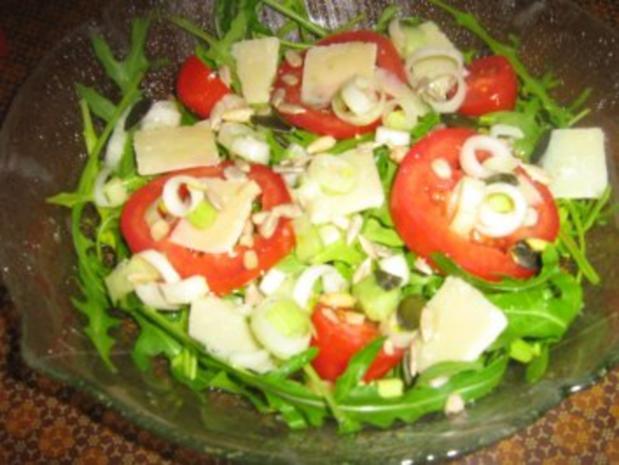 Rucolasalat mit Tomaten, Parmesanspäne und Kerne-Mix - Rezept - Bild Nr. 5