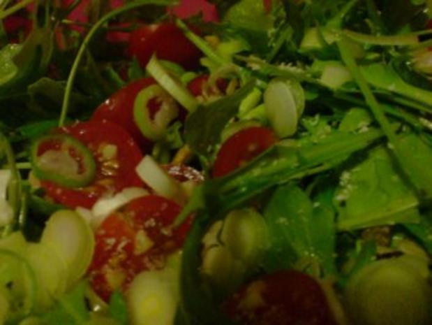 Rucolasalat mit Tomaten, Parmesanspäne und Kerne-Mix - Rezept - Bild Nr. 8