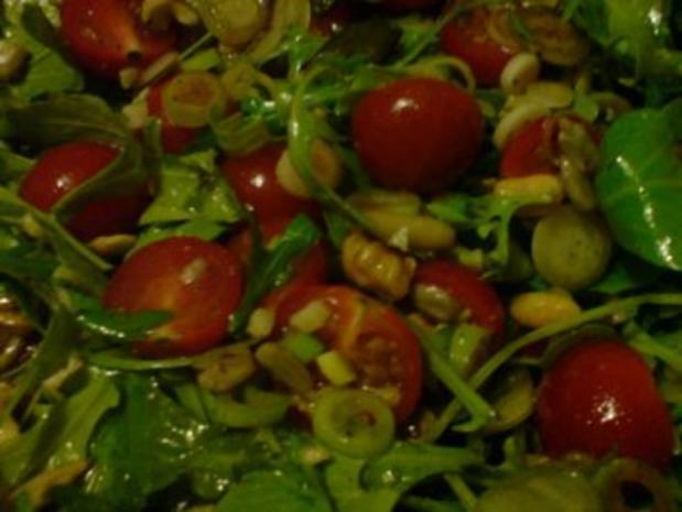 Rucolasalat mit Tomaten, Parmesanspäne und Kerne-Mix - Rezept - Bild Nr. 9
