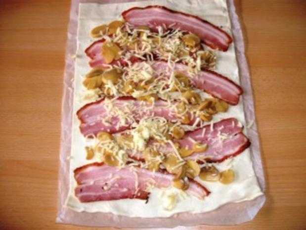 Blätterteigröllchen mit Bauchspeck, Champignons und Käsefüllung - Rezept - Bild Nr. 4