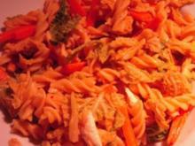 Winterliche Pasta mit Wirsing, Walnüssen und Ziegenkäse - Rezept
