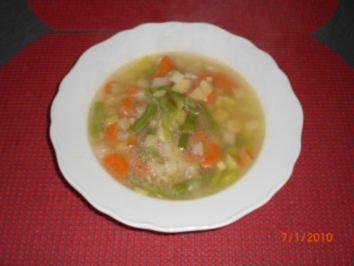 Klare Gemüsesuppe - Rezept