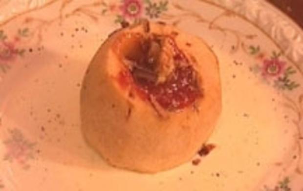 Flambierte Bratäpfel an Vanillesoße - Rezept