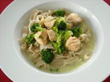 Lachs - Broccoli - Sauce mit Bandnudeln - Rezept