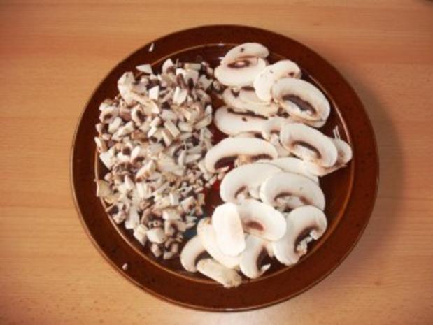 Schweinebraten mit Knoblauch gespickt in Champignonsoße - Rezept - Bild Nr. 3