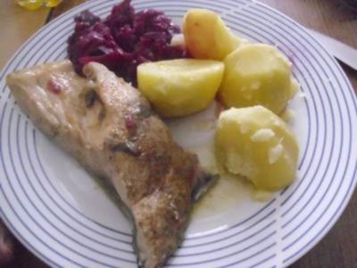 Karpfen blau - Rotkraut - Salzkartoffeln - Rezept