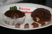buttermilch muffins mit kinderschokoladen f llung. Black Bedroom Furniture Sets. Home Design Ideas