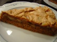 Apfel-Baiser-Kuchen mit Mandelspekulatiusboden - Rezept
