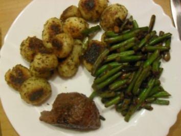 Straußensteak mit Bohnen und Rosmarinkartoffeln - Rezept