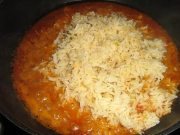 Königin Pastete mit Paprika-Reis-Hähnchen Füllung - Rezept - Bild Nr. 3