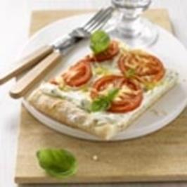 Piiiizza Tomate Basilikum - Rezept