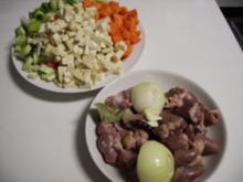 Nudeleintopf mit Hühnerherzen und -mägen - Rezept