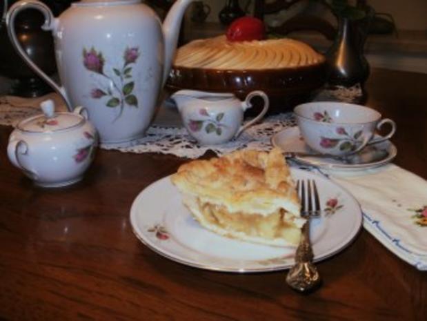 Apfel Pie - Echt Amerikanisch mit toller Krust - Bild eingestellt- Sehr leicht zum Backen-dieses ist mein Familen Rezept von Rena meine Schwiegermutter - Rezept