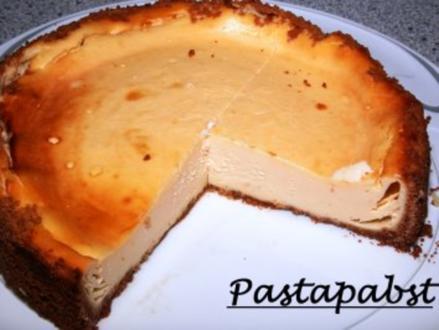 Käsekuchen mit Amarettiniboden - Rezept
