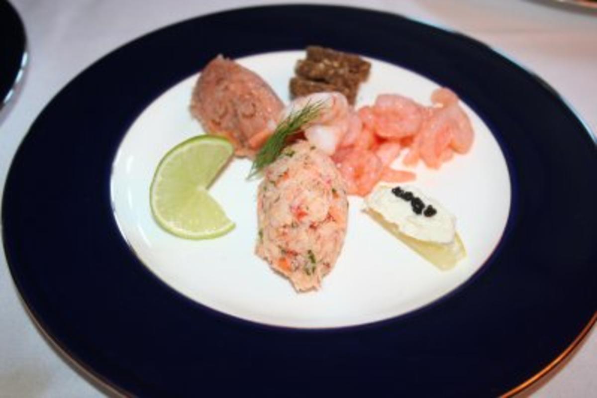 Feiner Fischteller mit Schwarzbrottaler - Rezept Durch Proviantmeister