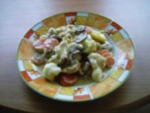 Pfannengericht:  Hähnchen und Gemüse überbacken - Rezept