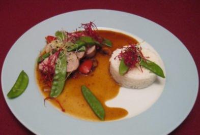 Schweinefilet mit Ingwer, Chili, Kaiserschoten und Reis - Rezept
