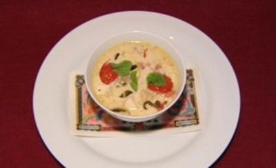 Thailändische Kokos-Ingwer-Suppe mit Tofu (Kerstin Linnart) - Rezept