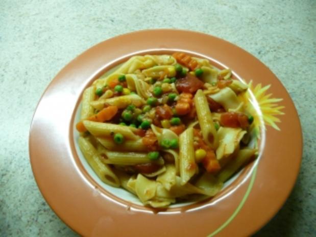 Nudeln mit Gemüsesoße - Rezept