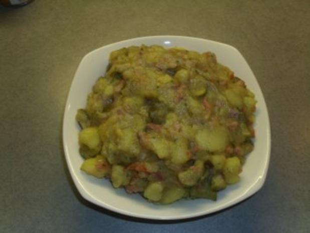 Salate: Kartoffelsalat warm und deftig - Rezept