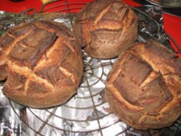 Rezept: kleine Roggenmischbrote für Wildgulaschsuppe