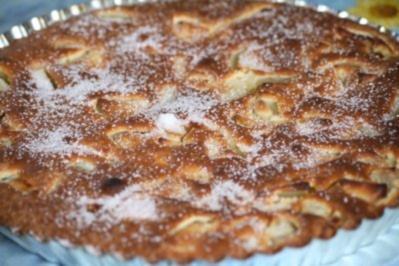 Rezept: Französischer Apfel-Birnen-Kuchen