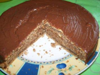 Nußkuchen mit Glasur - Rezept