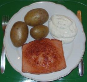 Pellkartoffeln mit Kräuterquark und Leberkäse - Rezept