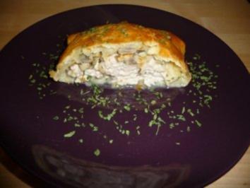 Rezept: Blätterteigrolle mit Pute und Champignons