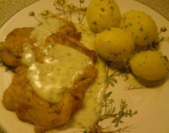 Gebackenes Fischfilet mit Kartoffeln und Petersiliensosse - Rezept
