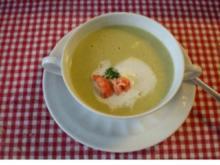 Sektsuppe mit Flußkrebsen. - Rezept