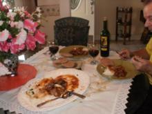 Huhn-Fett arm- schmelzed im Mund- geschmort and barbecued in der Pfanne - Huehnerschenkel - Rezept