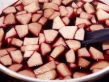 Fliederbeersuppe mit Klößchen - Rezept