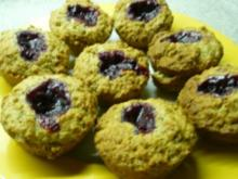 Haselnuß-Muffins mit Preiselbeeren - Rezept