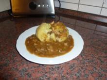 Gefüllte Kartoffelklöße in Champignonsahnesoße - Rezept