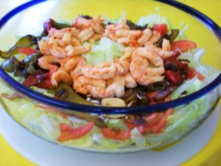 SALAT: Bunter Salat mit Gambas und gebratenem Paprika - Rezept