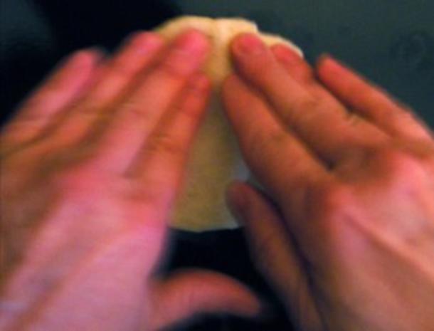 Gefüllte Teigtaschen (Pogaca) - Rezept - Bild Nr. 2