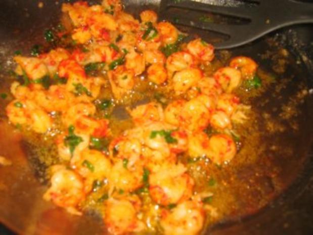 Suppe: Feine Chicoreesuppe mit Flußkrebsfleisch - Rezept - Bild Nr. 2