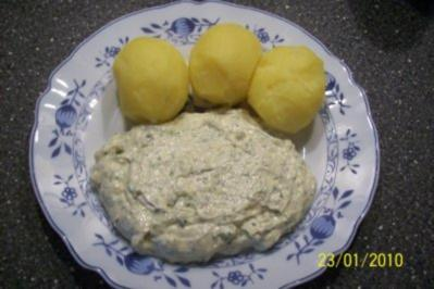 Kräuterquark mit Leinöl und Pellkartoffeln - Rezept
