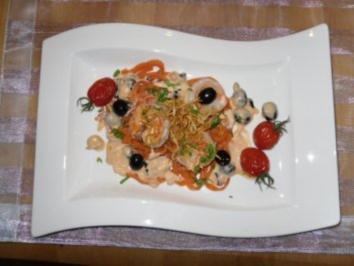 Tomatennudeln mit Black Tiger Garnelen an Nolly Prat-Soße - Rezept