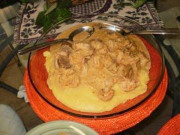 Shrimp mit Bratwurst ueber Gries - Louisiana Suedstaaten Essen     Rezept 1  von 2 - Rezept