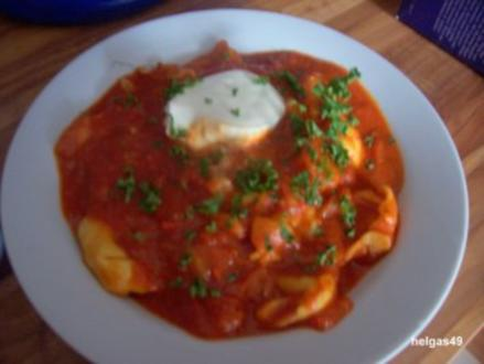 Suppe - Tomatensuppe mit Tortellini - Rezept