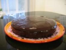Feucht-nussiger Schokoladenkuchen - Rezept