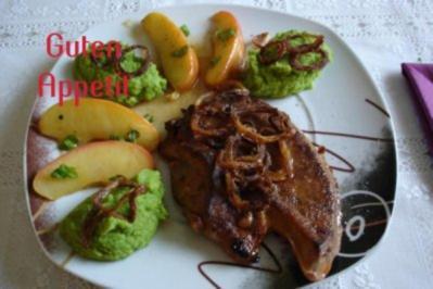 Gebratene Leber mit Apfel und Röstzwiebel an Erbsenpürree - Rezept