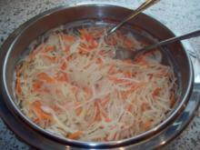 Weißkrautsalat mit Karotten - Rezept