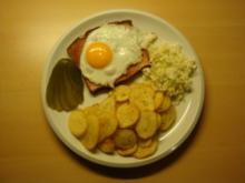 Leberkäse mit Bratkartoffeln und Kohlsalat - Rezept